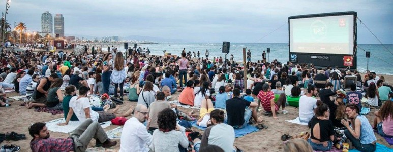 Free Cinema on the beach of Barceloneta